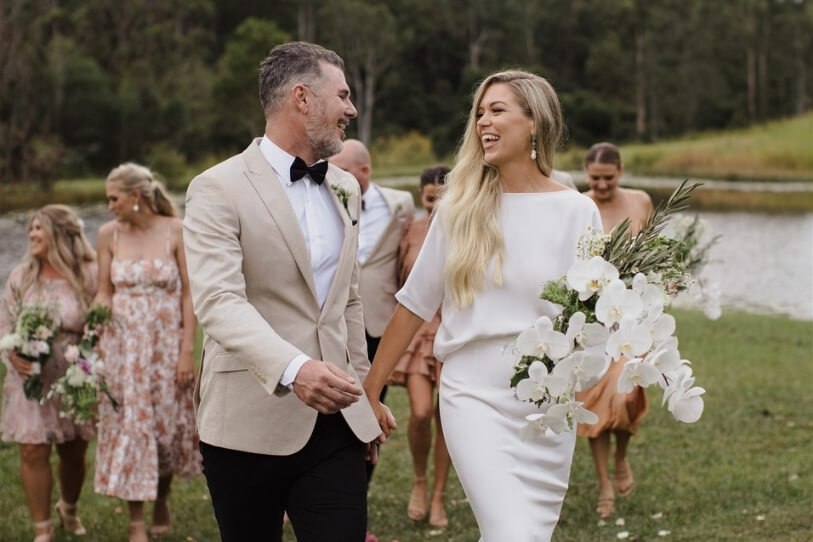 gold coast bride and groom getting married
